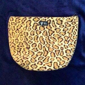 B's Leopard Cosmetic 💼 Bag